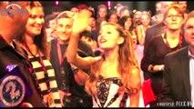 Ariana Grande Kisses Miley Cyrus at MTV VMA 2014 - MTV Video Music Awards 2014
