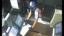 Un braqueur pas doué essaie de voler la caisse au drive d'un fast-food