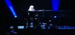 Lady Gaga apresenta Til It Happens To You na Universidade de Nevada