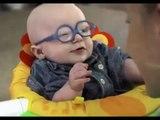Un bébé malvoyant voit sa maman pour la première fois