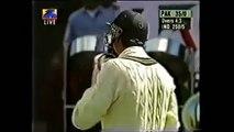 Shahid Afridi SIX Break Traffic Light on Road Out of Ground Amazing Shot! - YouTube