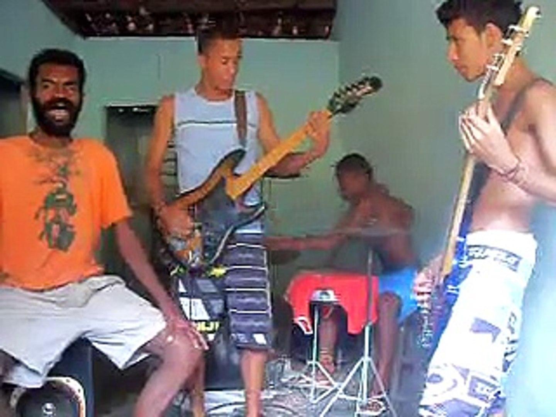 Banda  G.R.E.V.E. cover da música a barca da banda  cabeloduro