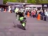 EXtreme Show 2014: Kawasaki Z1000 Wheelie stunt Show top speed test review sound crash