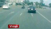 Otomobil motosiklete böyle çarptı - İhlas Haber Ajansı