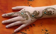collage girl hinna Silver Henna Tutorial _ ssaadmalek _ LiloStuffLook Fabulous This Eid - Gorgeous Makeup Tips - Fashion & Style - DAY TO NIGHT EID MAKEUP - Mod Girls Makeup Trends for Eid - Easy Eid Make Up Look - Eid Makeup Ideas - How to look beautiful