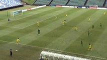 Un gardien de foot marque un but contre son camp