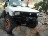 dual transferes 37's hilux rock crawling at dalberg weir