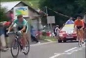 Tour de France 2003 - Armstrong attacks Ullrich after Fall.mp4