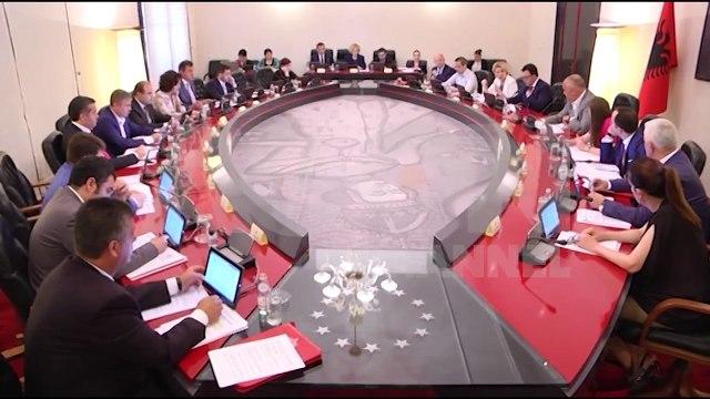 Diplomacia ndërkombëtare zbarkon në Tiranë