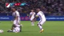 Zap Foot du 11 avril: les joueurs de l'OM comparés à des chèvres, Adriano inscrit son premier but avec le Miami FC, De Jong le boucher a encore frappé.