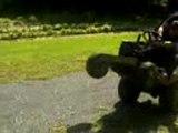 wheeling et crash en tracteur tondeuse