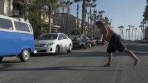 Un voisin bourré défonce un drone en pleine rue !