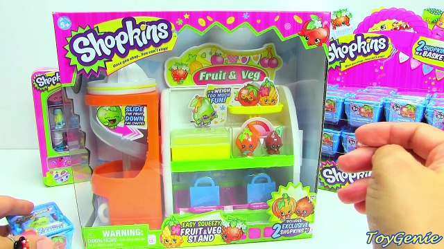 Shopkins Fruit and Veg Stand Playset with 2 Exclusive Shopkins