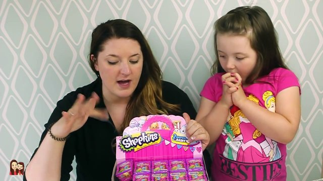 Shopkins Season 2 Blind Baskets OPENING with my mommy!-9 Blind Baskets!