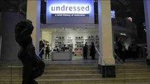 Dedican una exposición a la historia de la ropa interior en el museo Victoria & Albert, de Londres