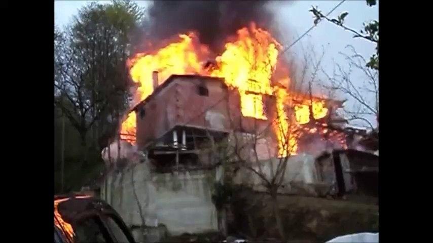 Kabataş'ta Süleyman Altay'ın evi yandı