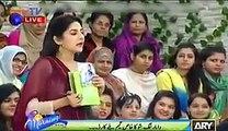 Video Amir Liaquat  acts in LIVE Show