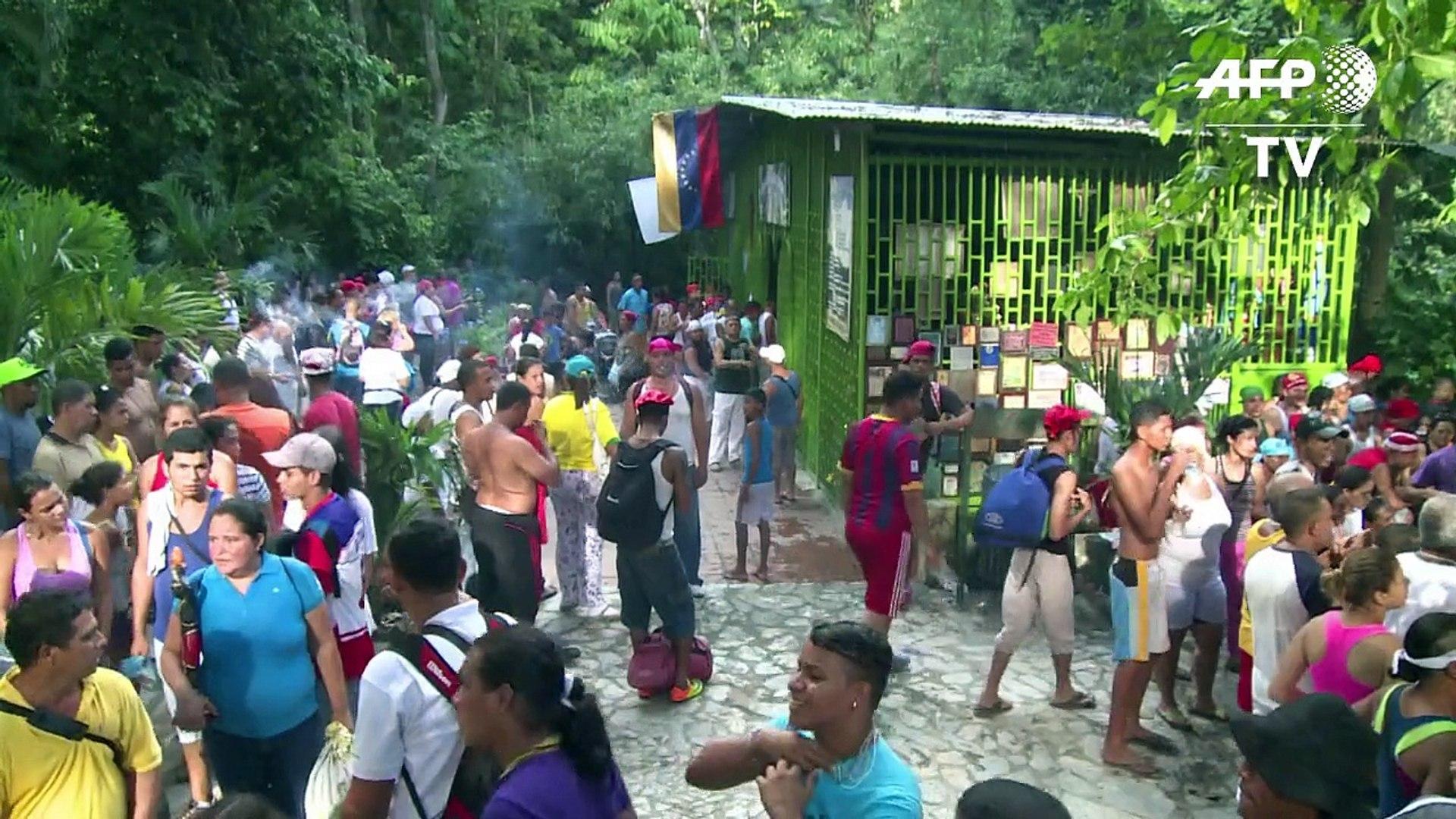 Em busca da ajuda dos espíritos trabalhos de VENEZUELANOS para se livrarem do mal que os perseguem.Q