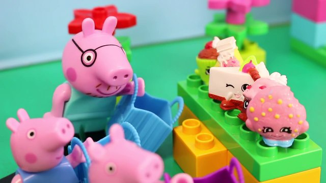 Peppa Pig Shopping Shopkins at the Duplo Lego My First Shop and Mickey Mouse with Minnie Mouse