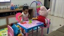 Peppa Pig - Galinha Pintadinha - Letícia Brincando - Criança - Lottie Dottie Chicken