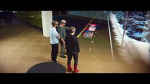 Microsoft HoloLens: Mixed Reality Blends Holograms with the Real World Video
