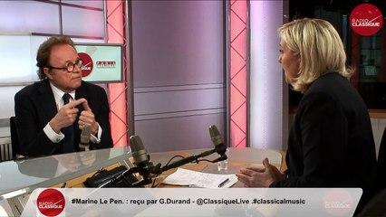 Marine Le Pen dit aussi «réfléchir» au revenu universel 89833bd33700