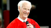 Hockey legend Gordie Howe dies at 88