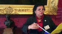 Maria, du musée Victor Hugo, déclame un poème pour les Bleus