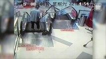 Rolltreppe brutal Mann verliert Fuß nach Unfall ( China / Handwerk / Sicherheit )