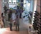 Le passage d'une tornade en Uruguay filmé depuis l'intérieur d'un magasin