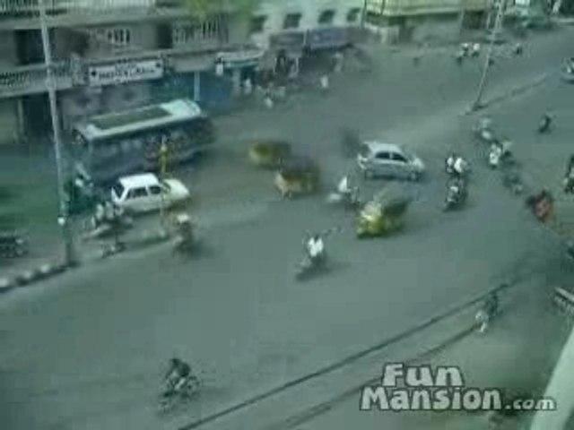 aprenda usted a conducir en la India
