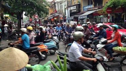 Traffico nell'Old Quarter di Hanoi