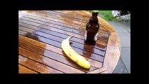 Comment ouvrir une bière avec une banane ?