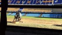 Así secan la Bombonera de Boca Juniors para el superclasico del domingo frente a River Plate