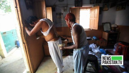 قدیم طریقوں سے جوڑوں کو ہڈیوں کا علاج کرنے والا چلو پہلوان