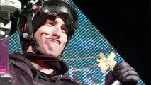Il bat le record du monde de glisse à ski sur un rail