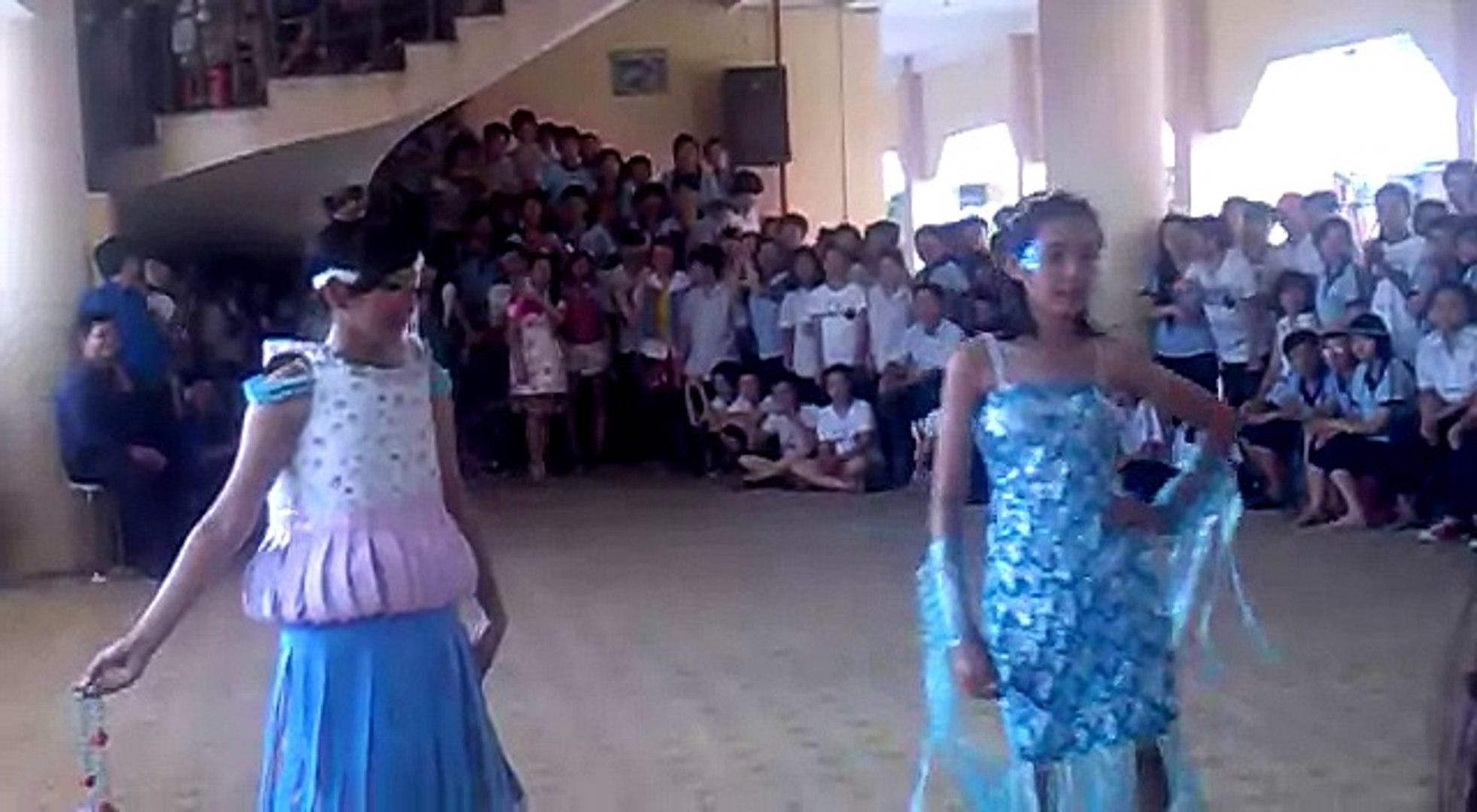 Trường THCS Phan Bội Châu - Biểu diễn thời trang - Lớp 9a2