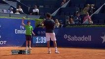 Joli fail d'un ramasseur de balles au tournoi de Barcelone