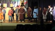 Representacio de la llegenda de Sant Jordi 2016 pels alumnes de segon de primaria dels Salesians de Sabadell