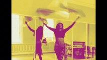 Danse Orientale avec eventails. Fan veil belly dance practice