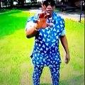Les HOMMAGES de Koffi Olomide à Papa Wemba sur FRANCE 24