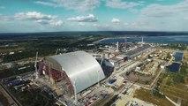 Un drone survole la centrale nucléaire de Tchernobyl aujourd'hui