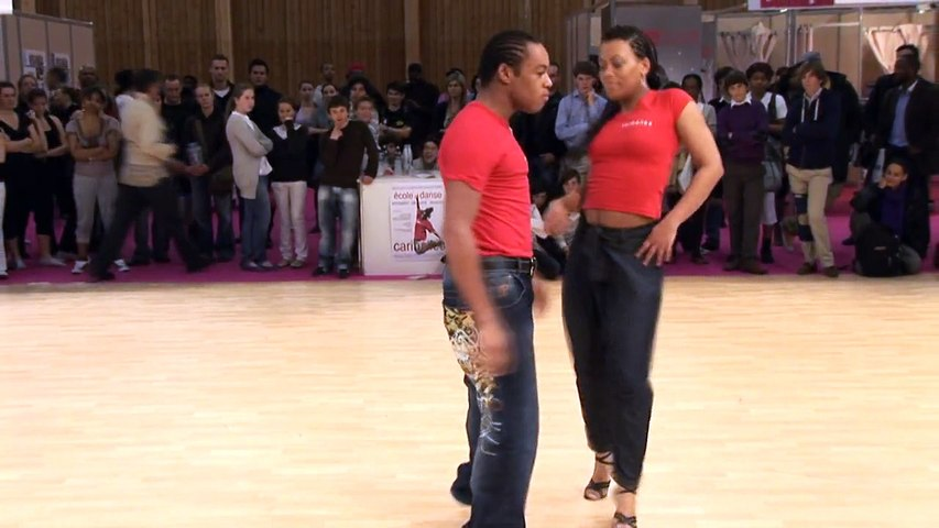 2009 - Improvisation Bachata avec Nathalie au Form Expo by Occo Style