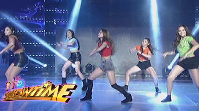 It's Showtime: GirlTrends' sexy performance