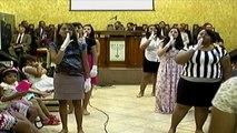"""Grupo """"Mãos que Louvam"""" - Culto do dia 17/02/2013"""