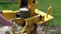 Toutes les machines pour faire des buches de bois... Hypnotisant !