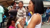Así se encuentran las colas de recolección de firmas para el revocatorio en Vargas