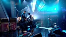 Radiohead - Bodysnatchers + Weird Fishes Arpeggi (Jools Holland 2008)