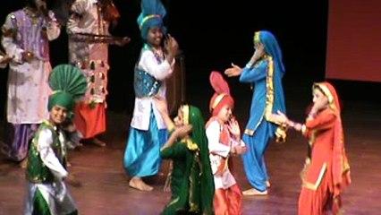 Punjabi Gidha Punjabi Boliyan Punjabi Bhangra Baisakhi Celebration 2016