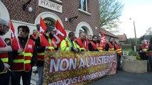 Manifestation de FO Territoriaux devant la mairie de Vaulx-Vraucourt (62)
